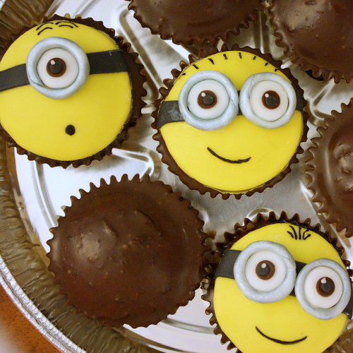 2013 06 Minion Cupcakes (2)