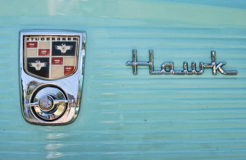 Turquoise Studebaker Hawk insignia. Photo copyright Jen Baker/Liberty Images; all rights reserved.