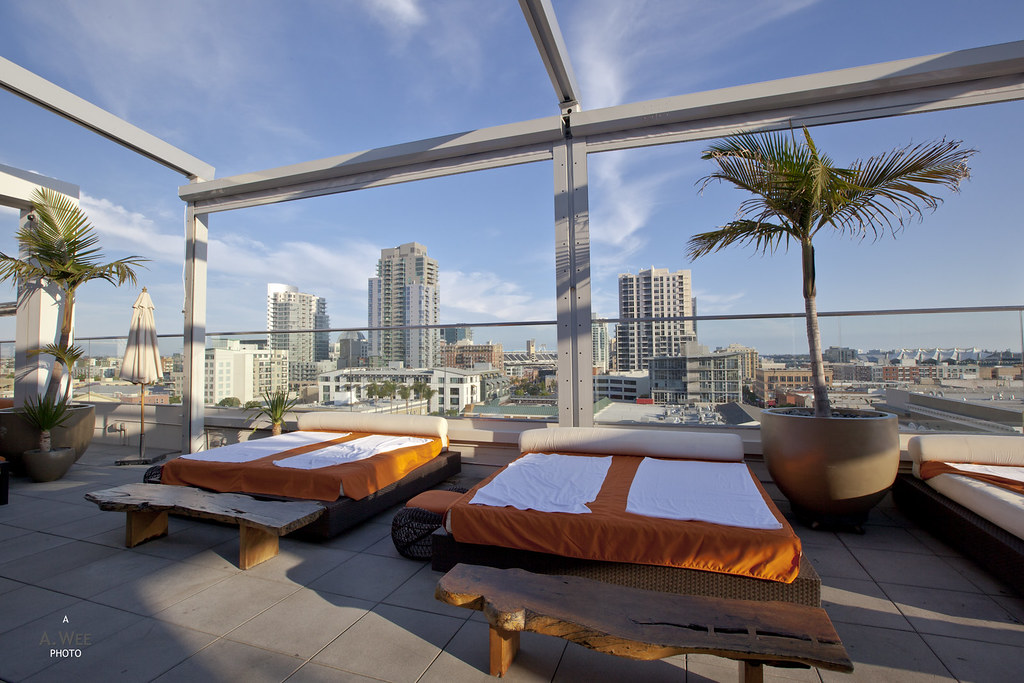 Rooftop Lounge & Terrace