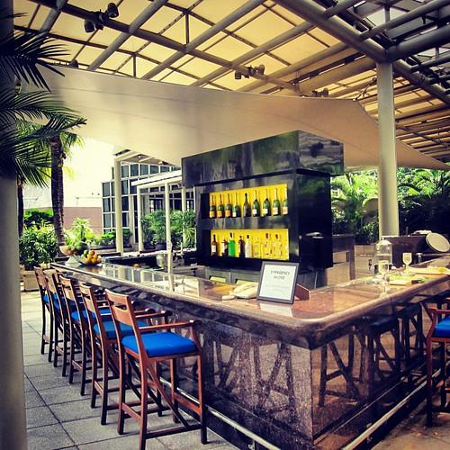 Pool Bar at The Conrad Centennial #singapore by @MySoDotCom