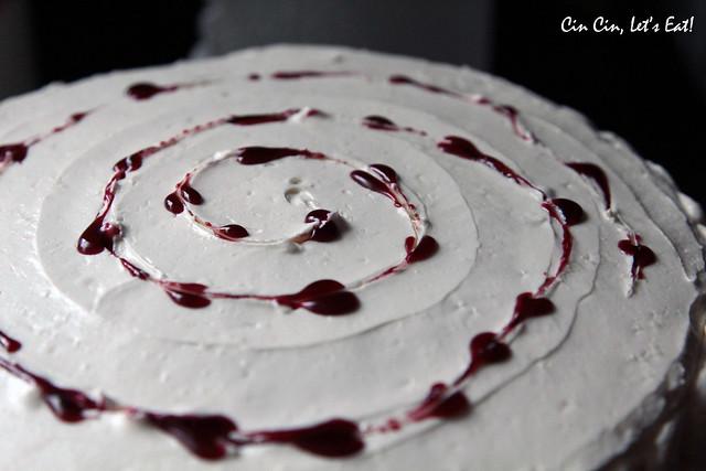 blackberry white chocolate cake 10