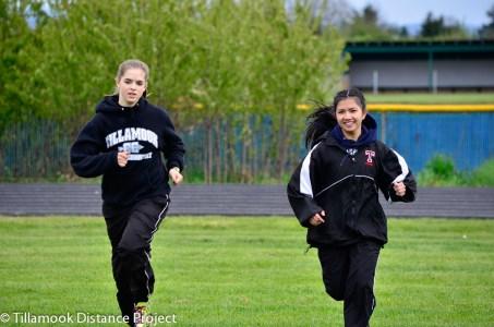 2014 T&F Banks Invitational Mook Runners-10