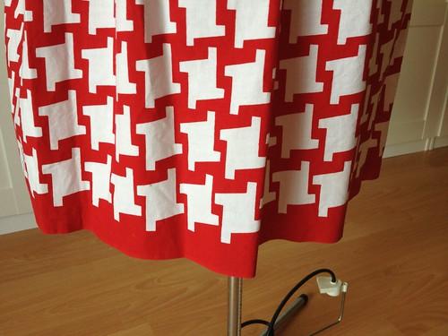 red border print Vogue 9929