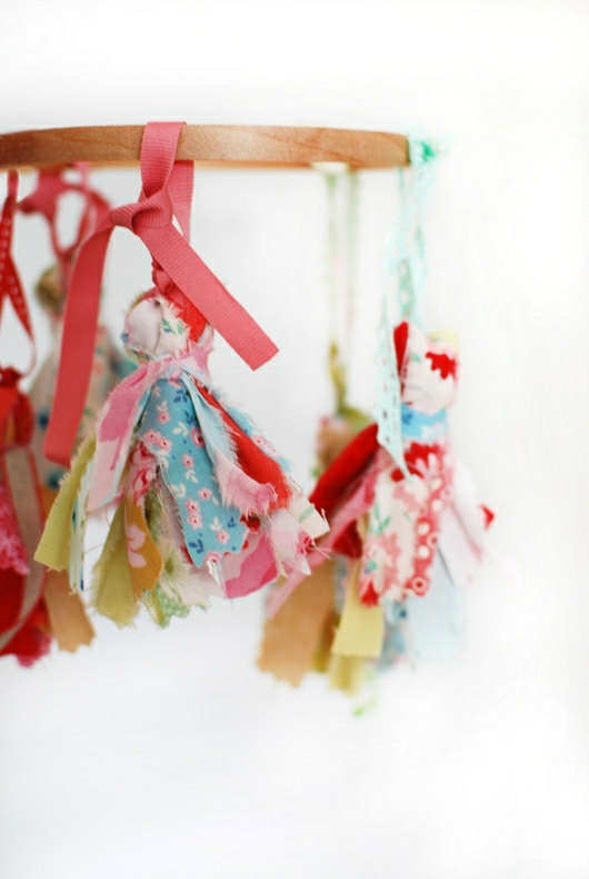 Diy Scrap Fabric Tassels Decor8