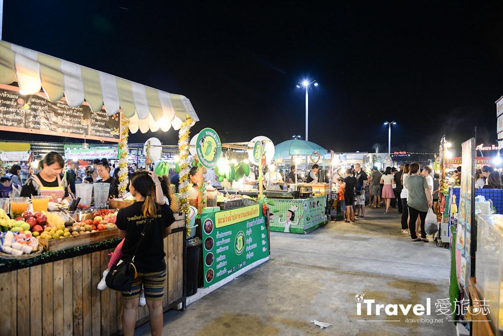 《曼谷夜市集景》华马夜市:人气鼎盛的在地商圈型夜市