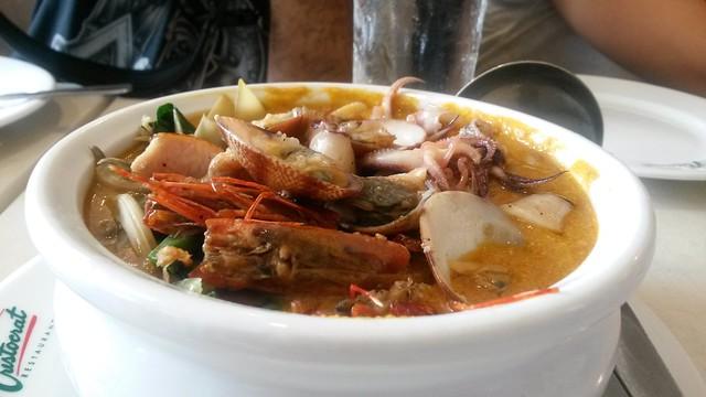 seafood kare kare