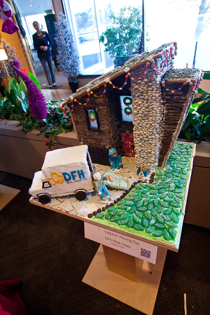 Gingerbread House 2013-3546