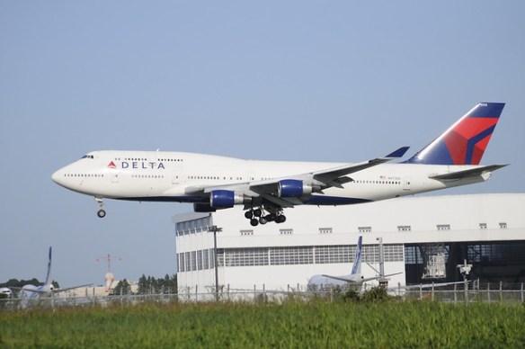 delta-b747400