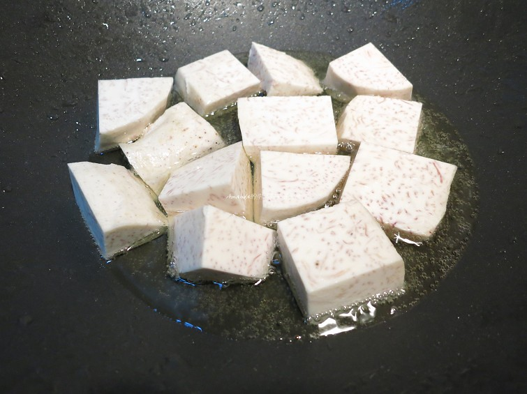 海鮮火鍋-火鍋湯頭-火鍋必備炸芋頭塊