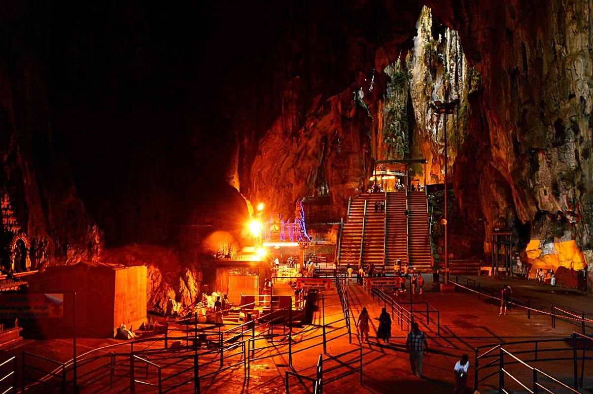 cave-yellow-red-light-hindu-pooja-stairway-people-travel-street-photog raphy-nikon-d3200-lens-best