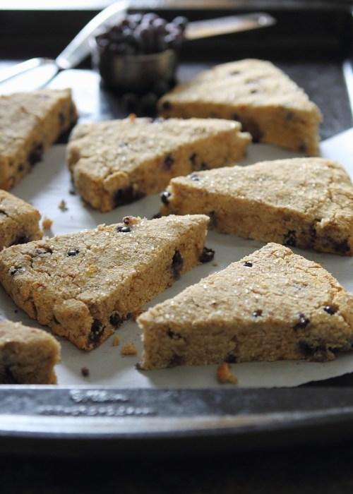 Blueberry orange scones | www.runningtothekitchen.com