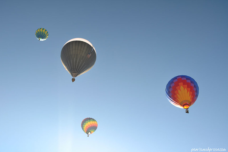 taos_rainbow_balloons