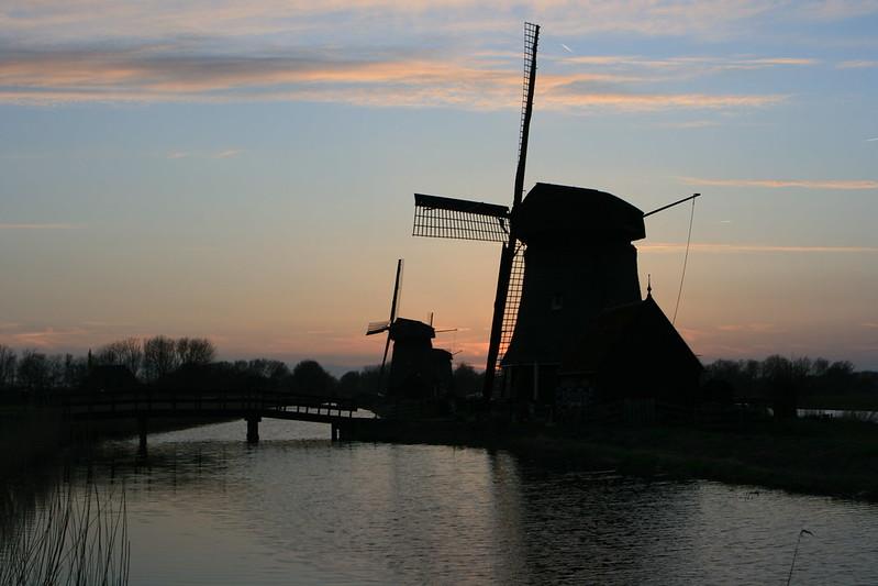 Benelux 596