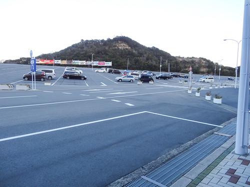 駐車場はガラガラ