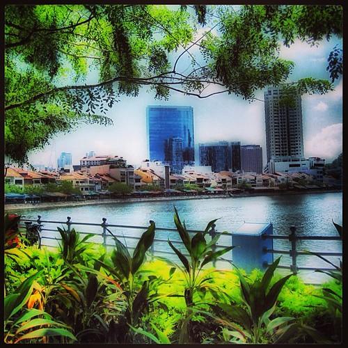Boat Quay along the #singapore river by @MySoDotCom