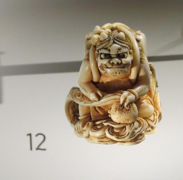 Netsuke: Raidon, ivory, about 1800