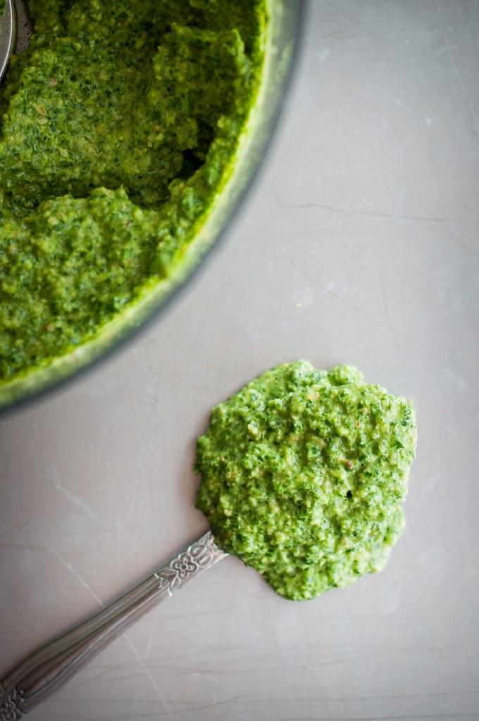 Coconut oil kale pesto (vegan and nut-free)