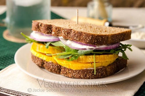 A flavorful and easy Garlicky Butternut Squash Sandwich made with vegan garlic mayo, arugula and toasted bread!