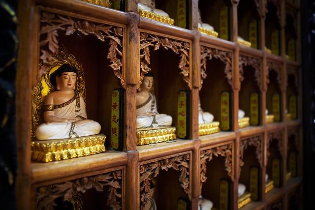 Ten Thousand Buddha Temple