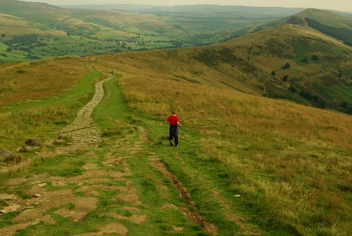 20130808-08_On the Great Ridge heading away from Mam Tor to Hollins Cross by gary.hadden