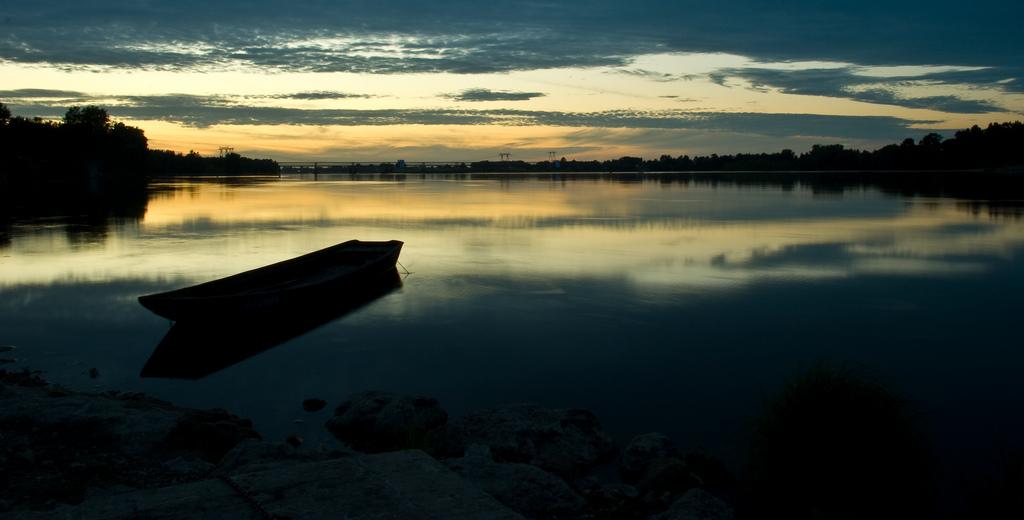 Puesta de sol en el Loira. Autor, Stephendl