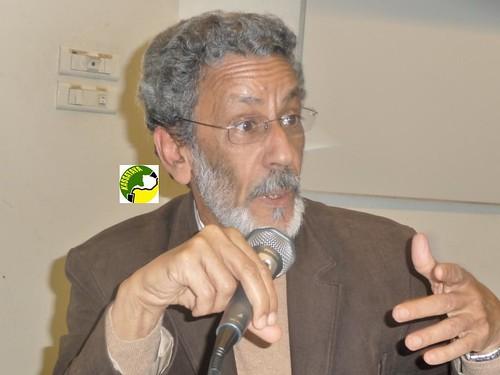 Le Pr. Abdel Weddoud Ould Cheik donnant une conférence à Paris en avril 2012. DR Abdoulaye Diagana/kassataya.