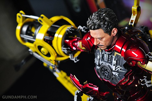 Hot Toys Iron Man 2 - Suit-Up Gantry with Mk IV Review MMS160 Unboxing - day3 (67)