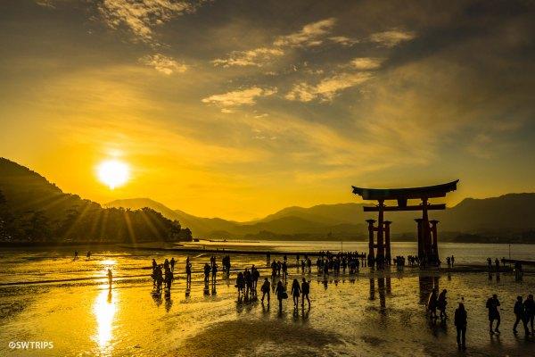 Itsukushima Shrine Gate (3) - MIyajima, Japan.jpg