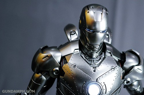 Hot Toys Iron Man 2 - Mk II Armor Unleashed Ver. Review MMS150 Unboxing (89)