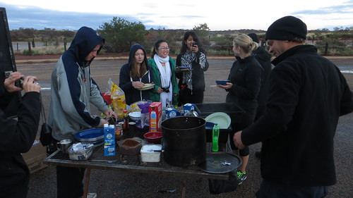 brekkie in ayers rock car park