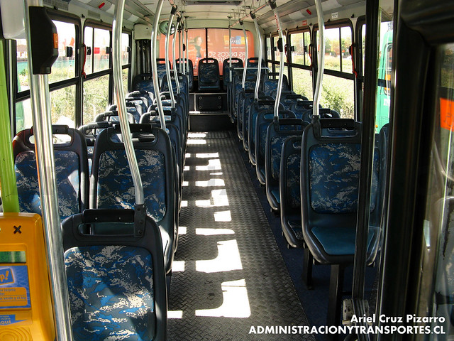 Transantiago - Comercial Nueva Milenio / Buses Vule - Maxibus Dolphin / Mercedes Benz (VU3142)