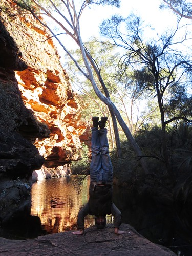 62. kings canyon watering hole headstand