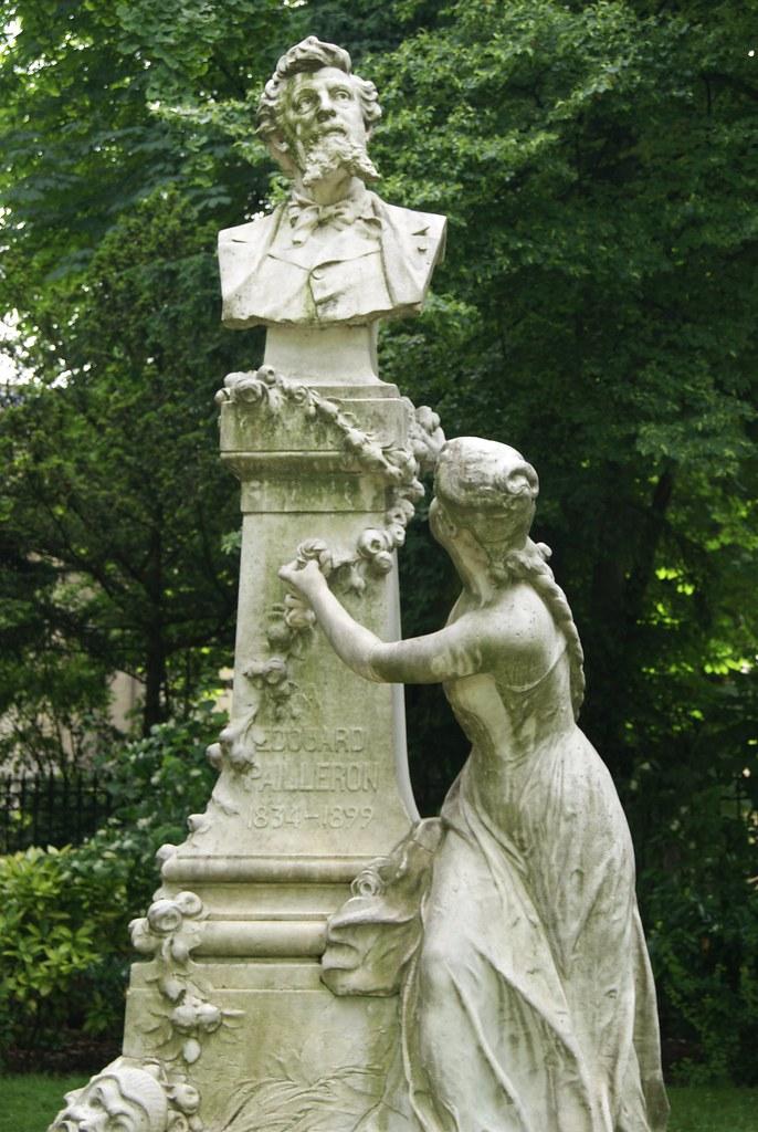 Statue d'Edouard Pailleron