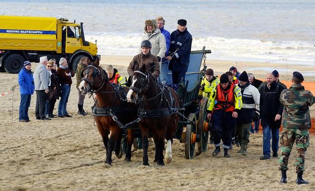 Burgemeester aanwezig bij landing Prins van Oranje. Foto door Roel Wijnants, op Flickr.