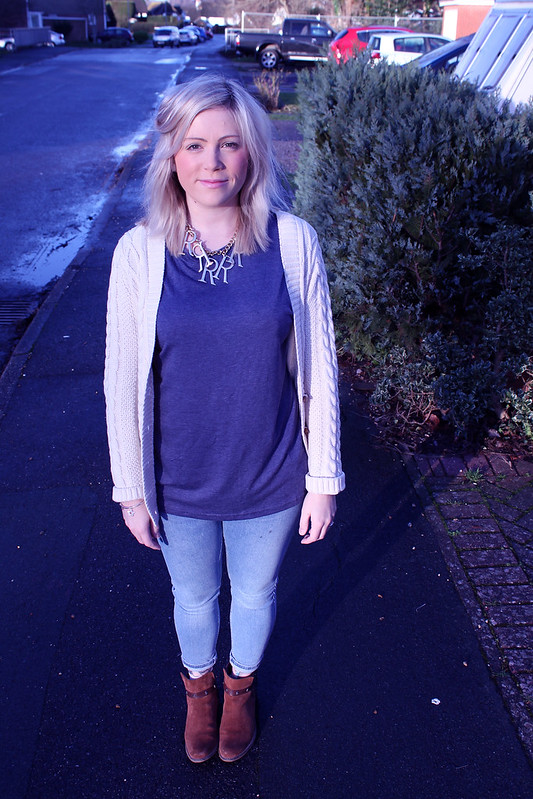 Blue outfit post