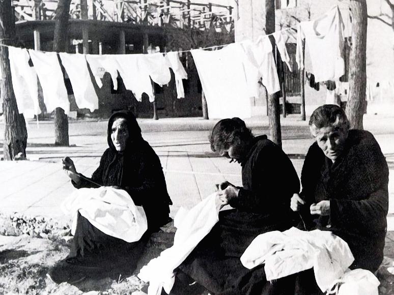 3. Costureras en el Madrid de la guerra civil. Autor, Druidabruxux