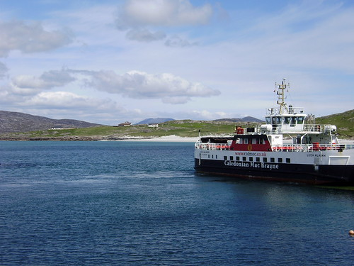 Uist and Harris link
