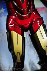 Hot Toys Iron Man 2 - Suit-Up Gantry with Mk IV Review MMS160 Unboxing - day2 (12)