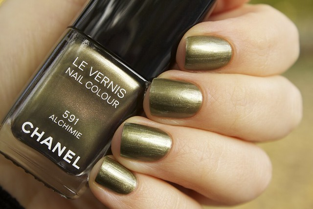 03 Chanel Alchimie swatches