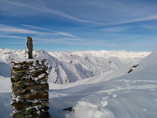 Gipfelausblick und Steinmännchen Rotlahner 2.735 m