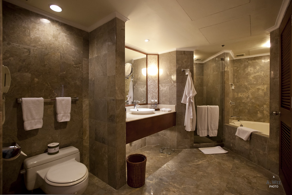 The Laguna Deluxe Bathroom