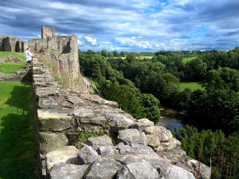 18. La campiña del Yorkshire, desde Richmond Castle. Autor, JeanM1
