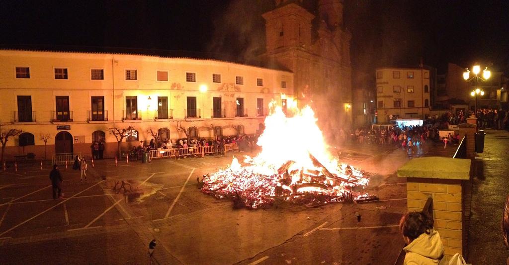7. Espectacular hoguera de San Antón. Autor, Culpix