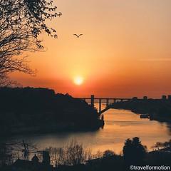 #sunset #porto #oporto #porto_ig #visitporto #portugal #loves_porto #portolovers #wanderlust #travel #travelgram #vsco #vscocam #guardiantravelsnaps #guardiancities #lonelyplanet #citytrip #travelphotography #portugalvisuals #igers_porto #portugal_em_foto