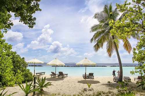 Royal Island Resort & Spa wins Best Luxury Romantic Hotel at World Luxury Hotel Awards by m o d e