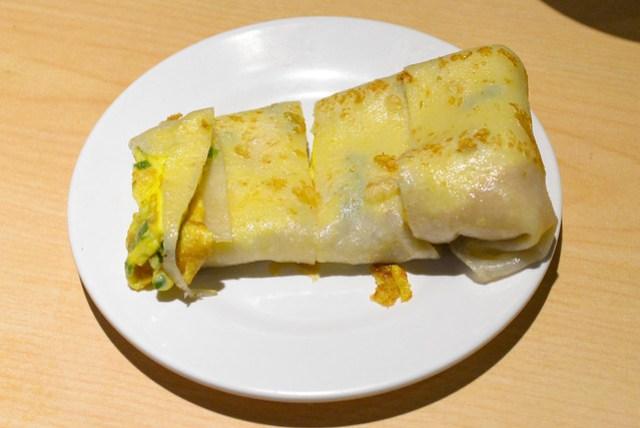 dan bing (thin flatbread with egg and scallions)