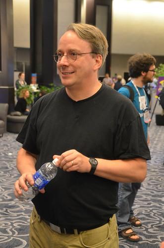 Linus Torvalds, Linux Foundation