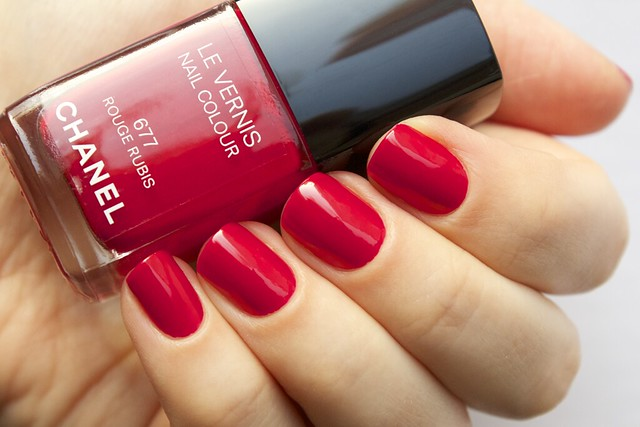 02 Chanel #677 Rouge Rubis swatches