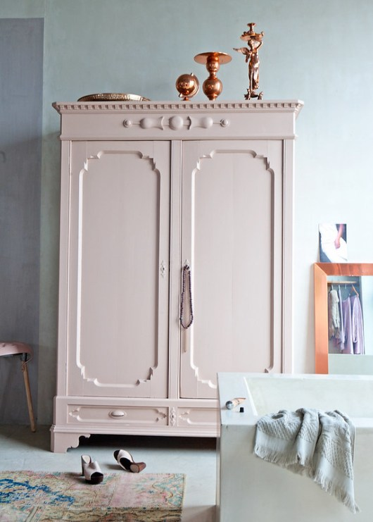 Loving: Chalky Pastels