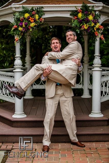 Groom and groomsman take humorous photos together